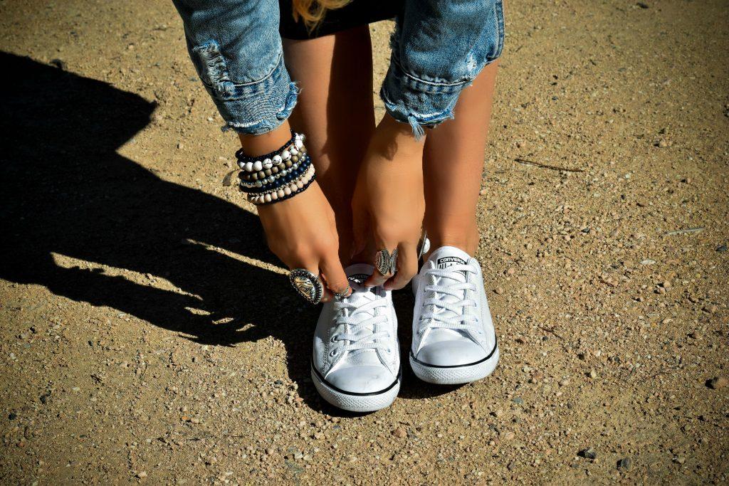 ootd - converse sneakers